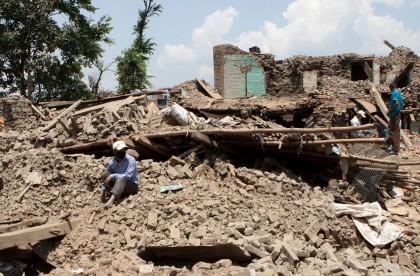 nepal earthquake rubble